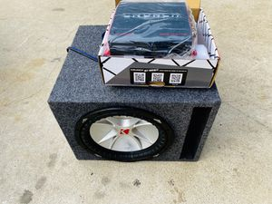 $200 no less / Kicker CVR 12 / New Amp / New Ported Sub Box for Sale in Sanger, CA