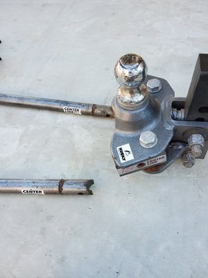 Husky, weight distribution hitch. for Sale in Clovis, CA