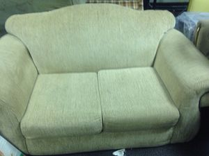 Great condition couch for sale for Sale in Caledonia, MI