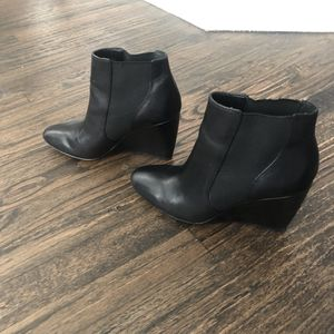 Ann Taylor Ankle boots Wedge in Black for Sale in Plano, TX