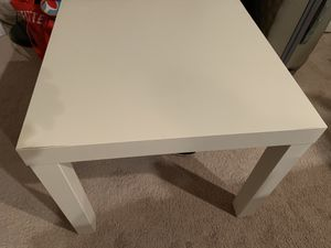 Small table for Sale in Alexandria, VA