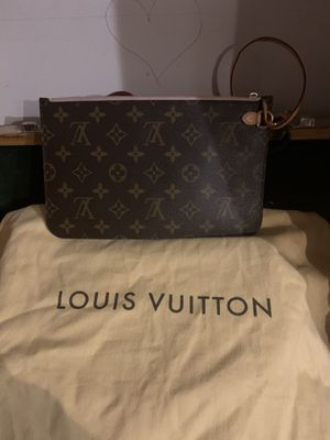 Authentic Louis Vuitton Neverfull pochette wristlet for Sale in Greenwood, IN
