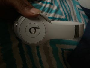 Beats solo 3 wireless for Sale in Wayne, MI