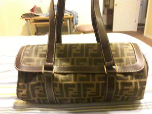 Fendi bag for Sale in Clermont, FL