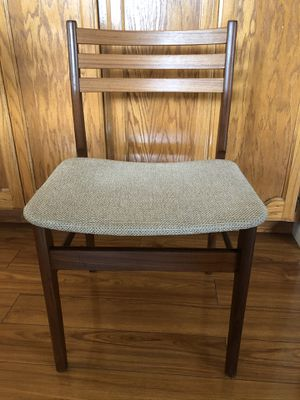 Antique Solid Teak Wood Chair for Sale in Turlock, CA