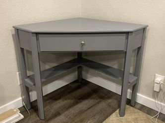 Corner Desk And Chair for Sale in Eagle Creek,  OR