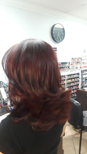Hair wash and blowdry for Sale in Miami, FL