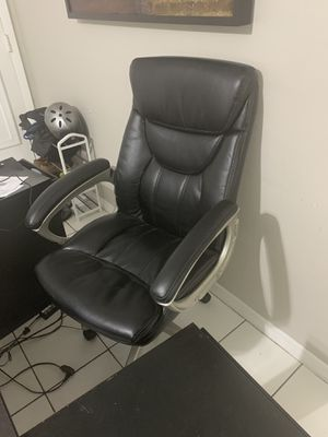 Office chair for Sale in North Miami Beach, FL