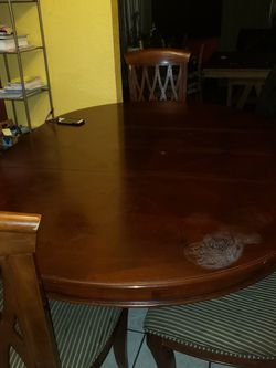 Free Dining Table for Sale in Tacoma,  WA