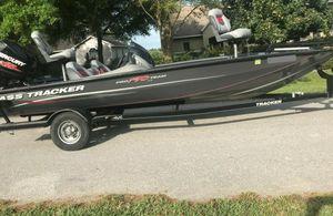 Fish & Ski Boat 2O14 Bass Tracker AT$15OO for Sale in Washington, DC