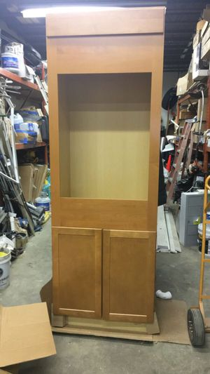 Kitchen cabinet for Sale in Bowie, MD