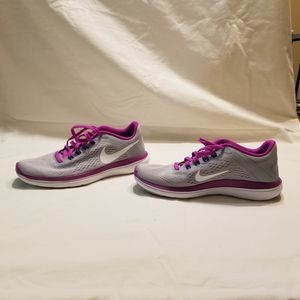 Nike shoes, women's size 5 for Sale in Chattanooga, TN