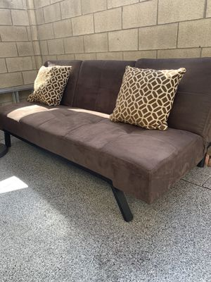 Sofá futon good condition literally!! Selling Asap. for Sale in Santa Ana, CA