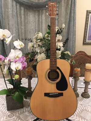 Yamaha F325D acoustic guitar for Sale in Bell, CA