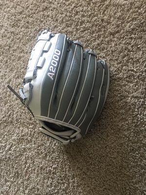 "Wilson A2000 12"" Softball glove for Sale in Katy, TX"