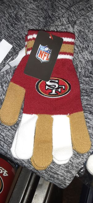 NEW 49ERS GLOVES for Sale in Fresno, CA