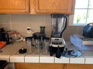 Ninja blender with food processor and cups for Sale in San Leandro, CA