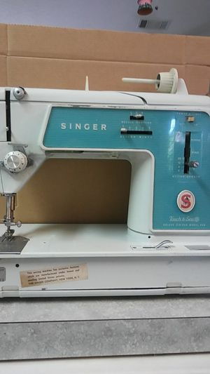 Singer Touch & Sew sewing machine. for Sale in Port St. Lucie, FL
