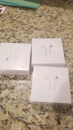 Wireless Headphones with charging case for Sale in Fort Worth, TX