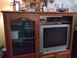 27 inch Sanyo tv old version with original remote.works good just downsizing for Sale in Cordele, GA