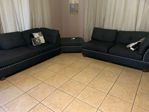 Rearrangeable sectional and ottoman for Sale in Bakersfield, CA