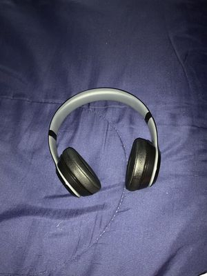 Beats solo 2 good condition for Sale in Fort Lauderdale, FL