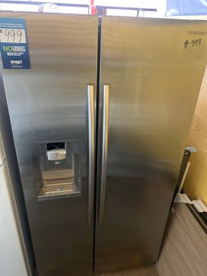 New Samsung stainless steal refrigerator with ice maker for Sale in La Mirada, CA