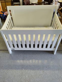 4 In 1 Convertible Crib for Sale in Mooresville, NC