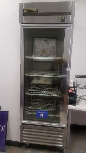 True TS-23G Stainless Reach-In Refrigerator, 1 Glass Door for Sale in Temple Hills, MD