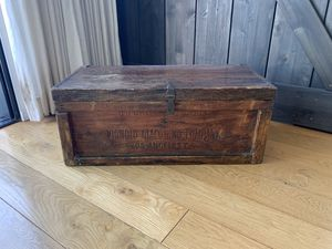 Antique Trunk used for shipping Olive oil from Italy to Los Angeles for Sale in Culver City, CA