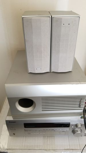 Speakers with subwoofer (Pioneer) for Sale in McDonough, GA