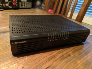 Cradlepoint AER1650 LP4 4g LTE router and antenna for Sale in Port Orchard, WA