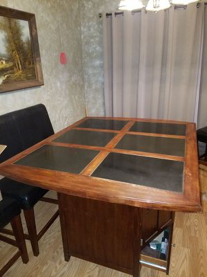 Kitchen table for Sale in Bismarck, ND