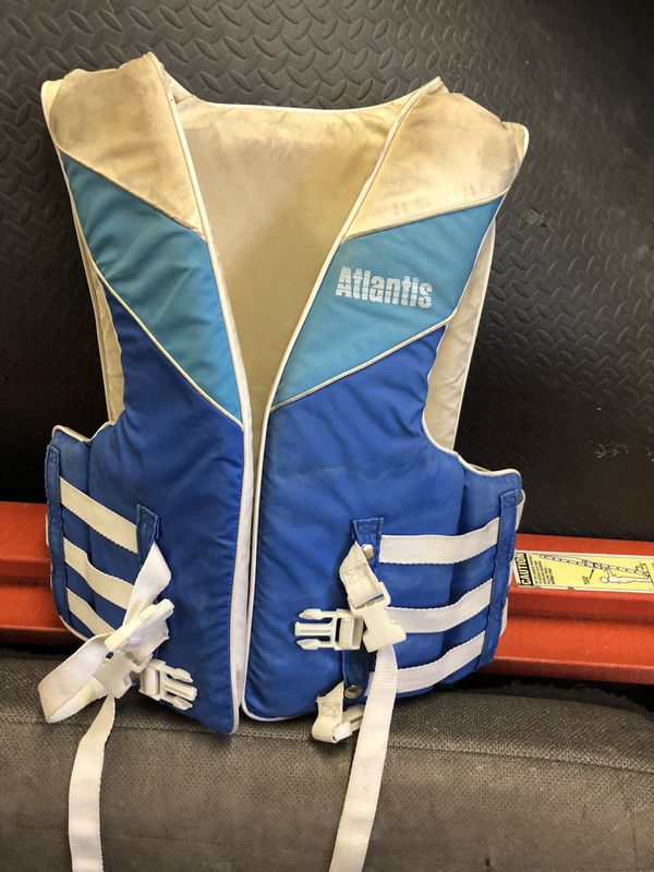Life vest. Universal size