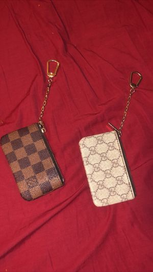 Gucci and louie wallet for Sale in Douglasville, GA