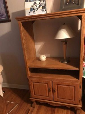Solid Amish TV stand for Sale in Pittsburgh, PA