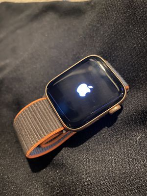 Apple Watch series 5 44mm for Sale in Brentwood, MD