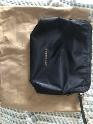 Burberry pouch for Sale in Gardena, CA