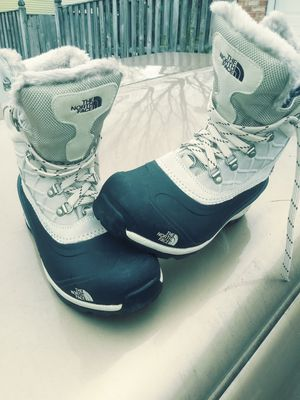 Women's North face hi-top, fur-lined boots, sz: 8 for Sale in Fort Washington, MD
