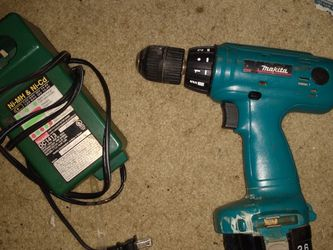 Makita Drill Set W/ Battery & Charger for Sale in Plant City,  FL