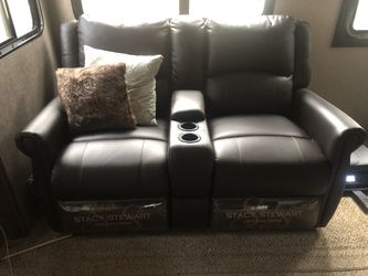 Stacy Stewart Collection Bucket reclining seats from 2019 Jayco Eagle 5th wheel for Sale in Leavenworth,  WA