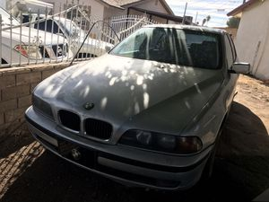 2000 bmw 528i not working for parts only with title for Sale in North Las Vegas, NV