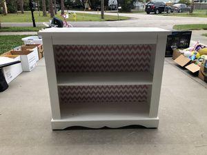 White bookcase for Sale in Tampa, FL