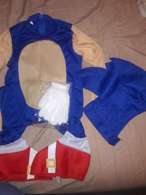 Sonic costume size med for Sale in Riverside, CA