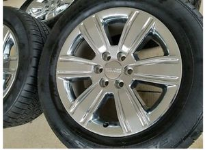 GMC SLT RIMS 20 WITH TIRES set of 4 for Sale in San Antonio, TX