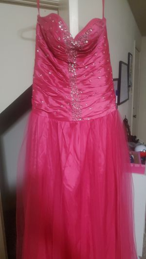 Long prom dress for Sale in Mandeville, LA