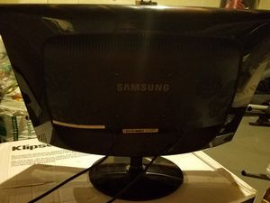 20 inch computer monitor, Samsung brand. for Sale in Columbus, OH