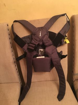 Infantino breathe vented 4 in 1 baby carrier grey for Sale in Landover, MD