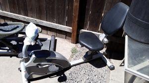 Recumbent bike no screen. No rips in seat... FREE for Sale in Modesto, CA