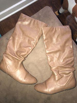 Women's boots size 7 free for Sale in Detroit, MI
